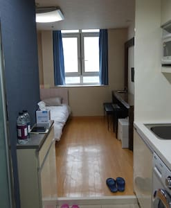Nice room, 5 min to the subway. - Yeongdeungpo-gu - Daire