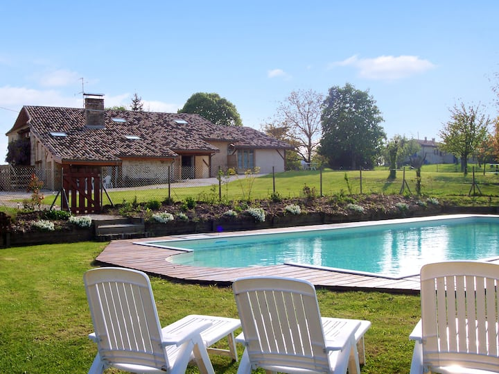House with 2 bedrooms in Agnac, with shared pool and enclosed garden