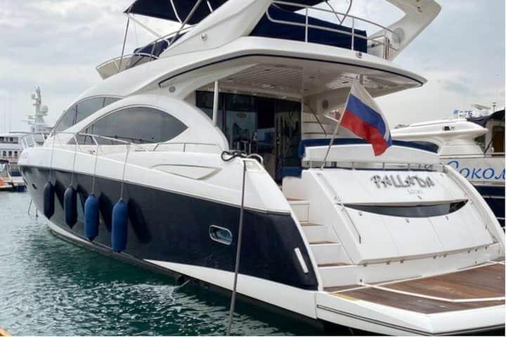 Фантастическая яхта класса LUXE