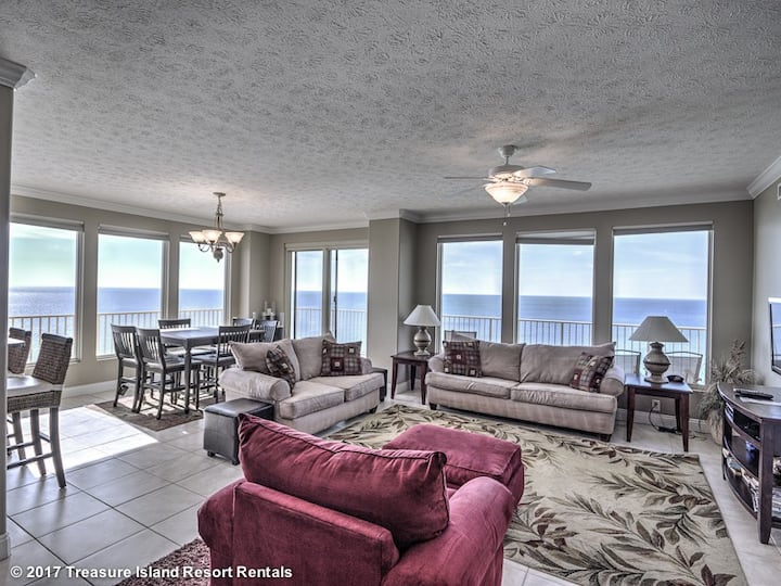 Largest Balcony in Panama City Beach - Treasure Island #1601