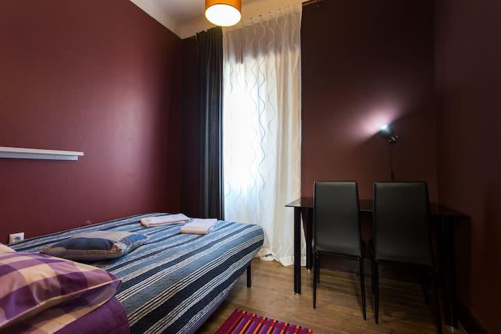 D. Dores, Double room 1 with shared bathroom - Aveiro - Rumah