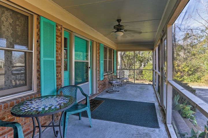 House w/Fenced Yard & Shared Pier on Lake Waccamaw