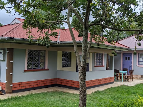Cosy two bedroom house in a serene area of Oruba.