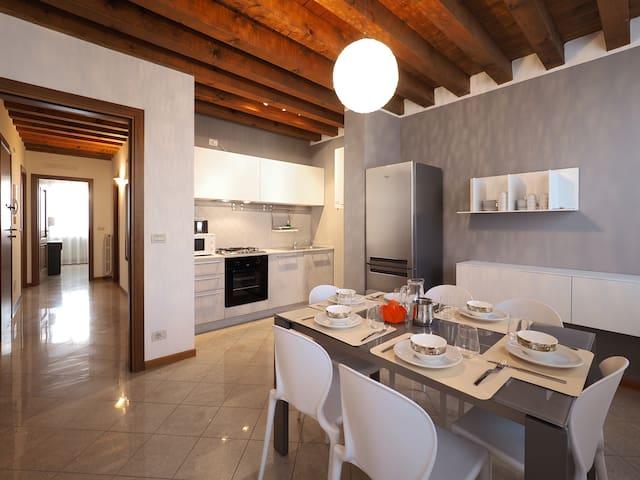 Venice Style Residence_Modern & spacious apart.