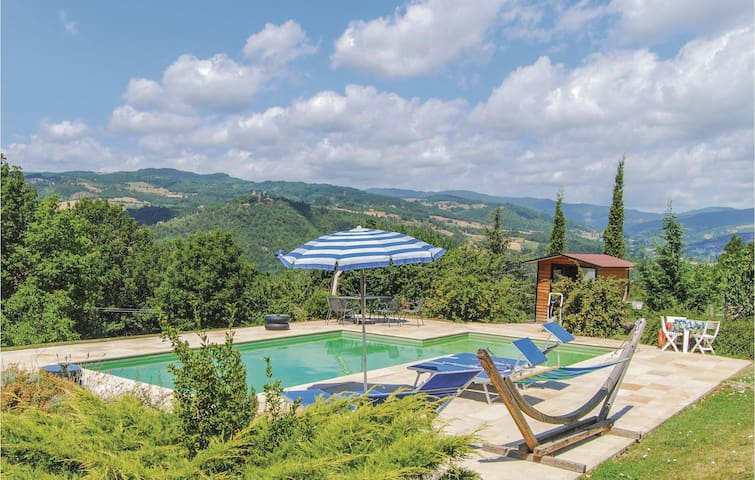 Holiday apartment with 3 bedrooms on 55m² in Pratovecchio AR