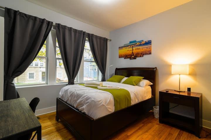 Modern Bedroom | Irving Park| Free street parking