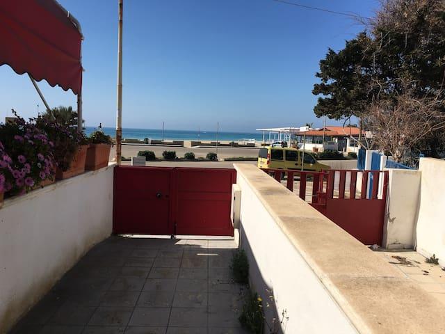 a 20mt dalla spiaggia appartamento in Lido Marini - Lido Marini - Huis