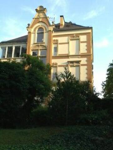 Villa Uhland - city condo, cozy and convenient - Wiesbaden - Apartmen
