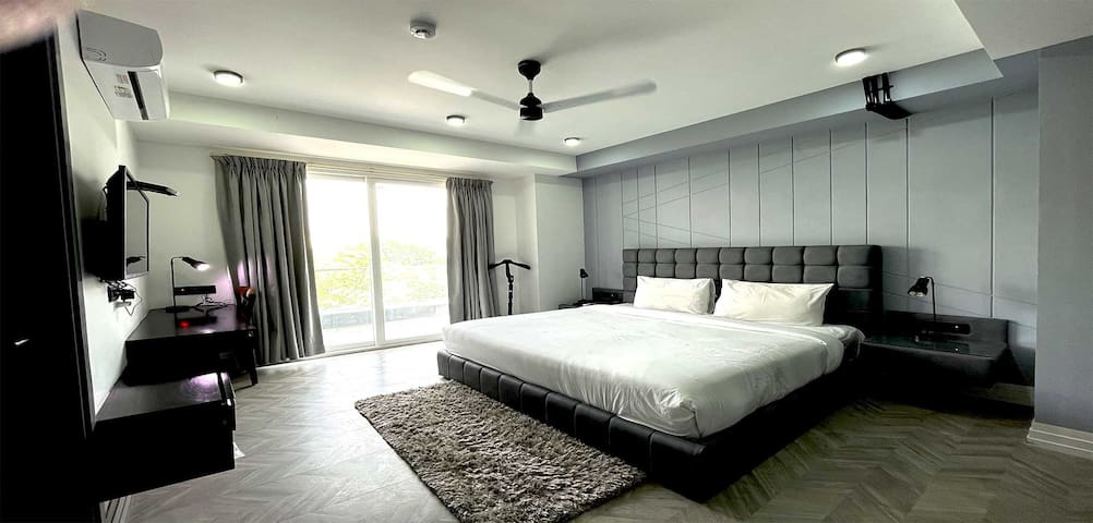 Serviced Apartments near Medanta Medicity.