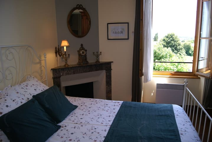 B&B Bordeaux Region-Domaine la Fontaine - Soubran - Bed & Breakfast