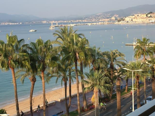 Appartement superbe sur Croisette, face plages - Cannes - Condominio