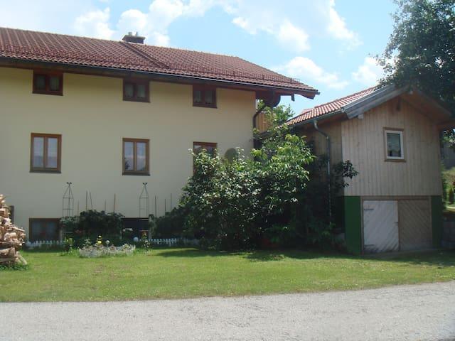 Haus Anna und Hubert Greiml 1