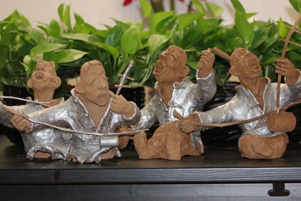 """谭维维的歌【给你点颜色】中陕西 """"非遗""""华阴老腔原形泥塑 Tan weiwei's song """"give you some color to"""" shaanxi   in hua hin """"intangible"""" old cavity prototype clay sculpture"""