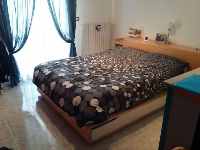Camera matrimoniale con terrazzo - Albignasego - Apartamento