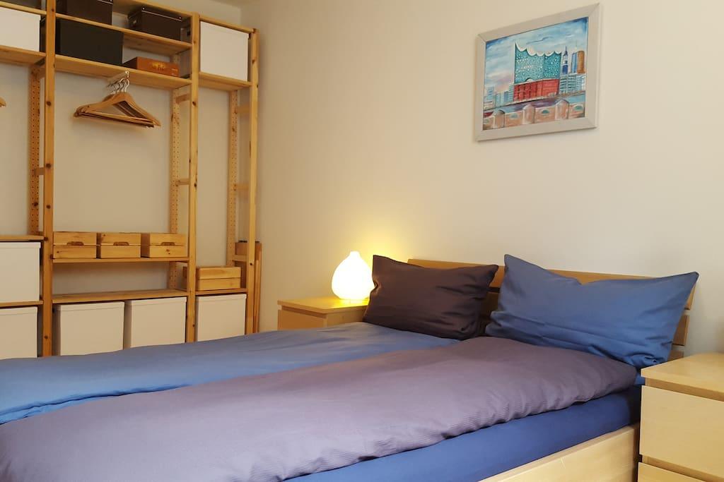 Gemütliches Doppelbett (1,40 x 2,00 m)