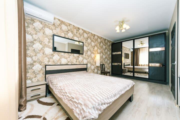 Люкс апартаменты на Гмыри 16