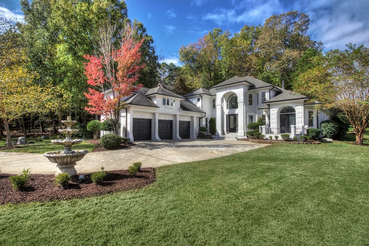 New Luxe Waterfront Villa, South of  Charlotte!