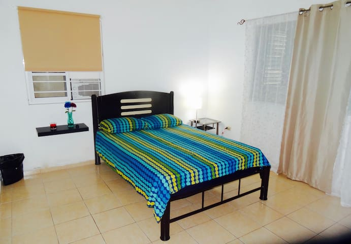 "PrivateRoom ""CARMEN"",CancunCENTER, WalkEverywhere - Cancún - House"