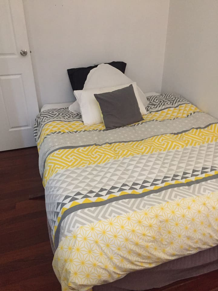 Bedroom available for short stay