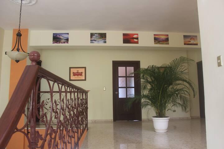 Hotel Sunhouse Samana habitacion amarilla