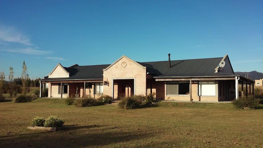 Refugio del Guira Guira - Casa Hotel - Hab 1