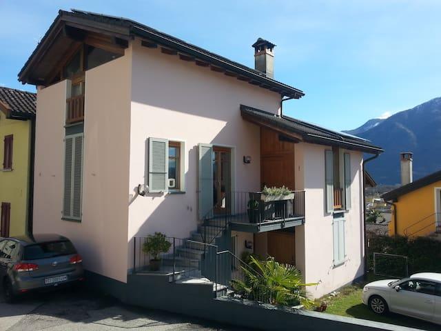 Casa ecologica Gaia - Gordola - Huis