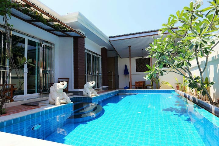 Pauline Unique Style Pool Villa -  Phuket - Casa