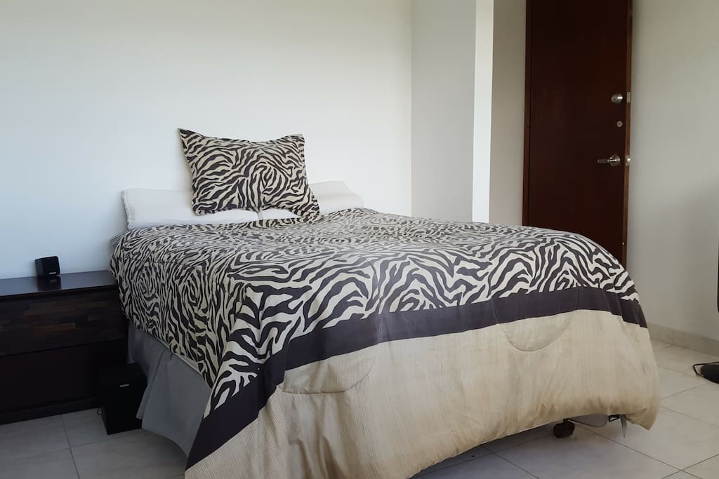 1era Habitación, cama full, para 1 o 2 personas