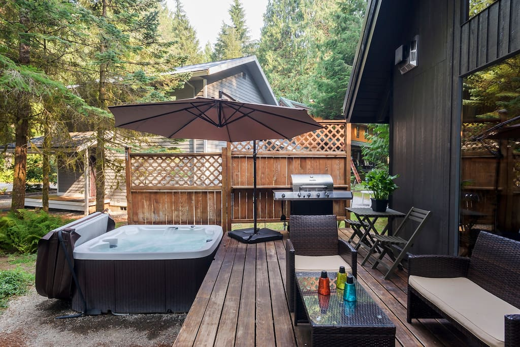 Patio with Hot tub and BBQ