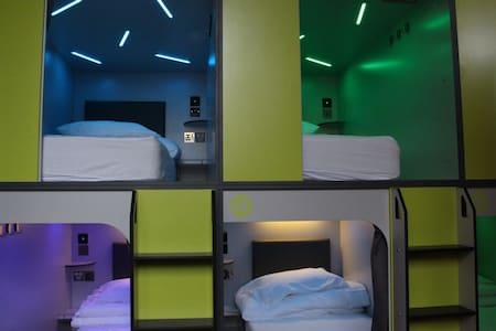 Pod beds