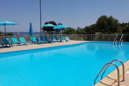 Studio 4prs bord de mer piscine plage tennis calme