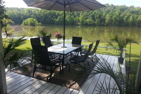 Lakehouse has view like No Other plus Easy Access! - 罗杰斯(Rogers) - 公寓
