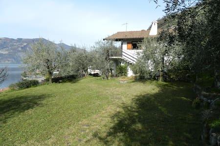 Villa degli ulivi sul lago D'iseo - Sale Marasino