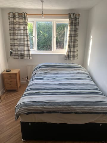 Double Room at 24a Tutbury Ave, CV4 7BJ