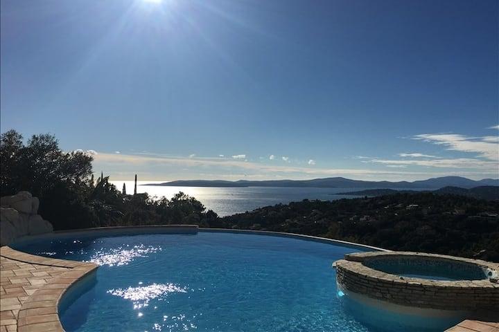 Villa avec magnifique piscine et vue mer St Tropez