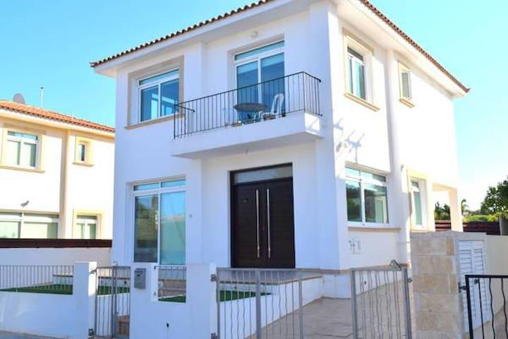 Mesogios Villa 30