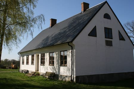 Vita Huset på Dälperöd - 锡姆里斯 (Simrishamn) - 独立屋