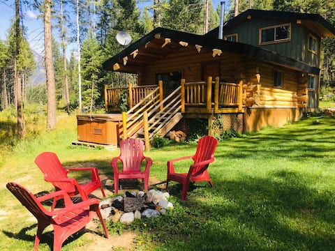 Wild Wood Cabins:  Bear's Den
