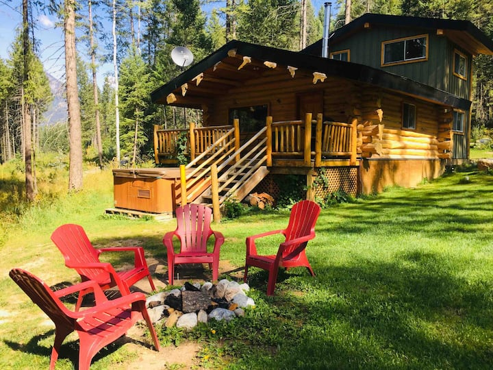 Wild Wood Cabins:  Bear's Den