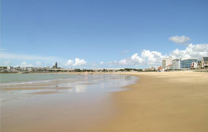 Stunning home in Royan with 1 Bedrooms