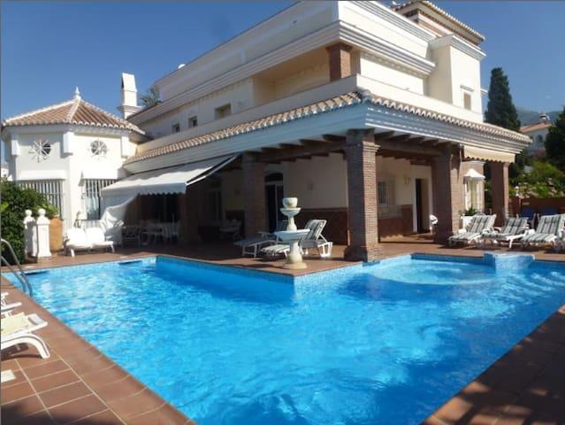 Villa Pérgola B&B HABITACION Nº1 - Nerja - Bed & Breakfast