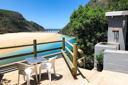 Kaaimans River Villa -epic view, kayaks, waterfall