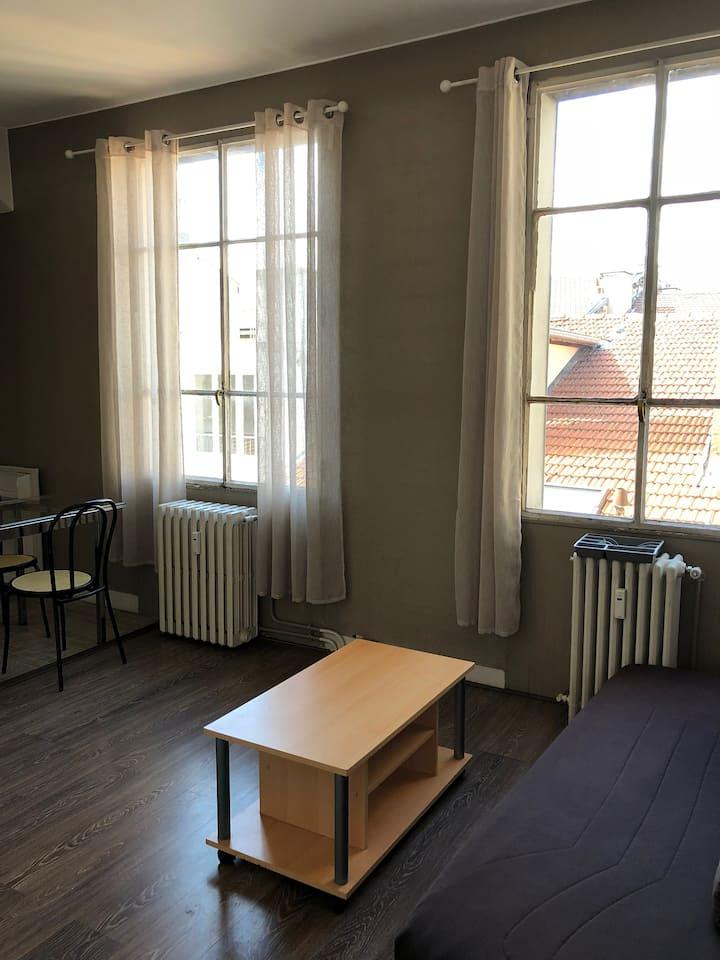loue studio hyper centre saint etienne