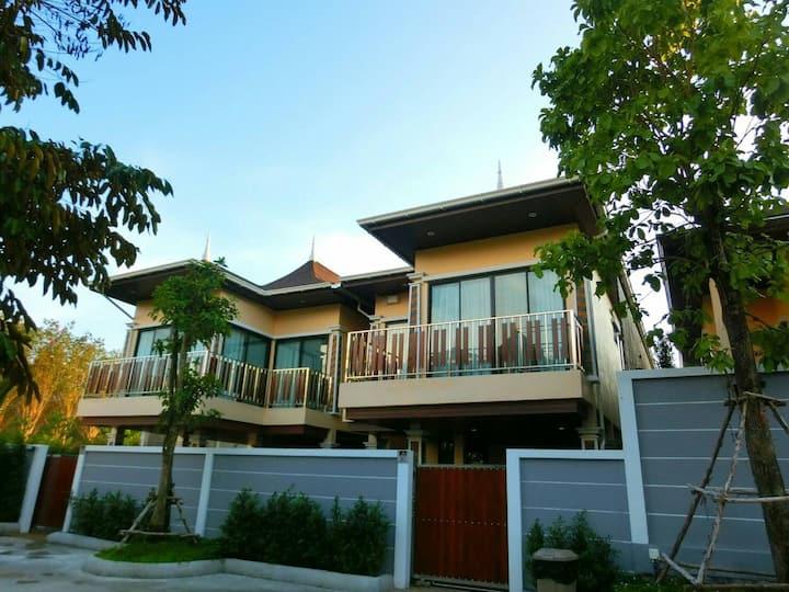 Oscar Pool Villa (Four Bedrooms)