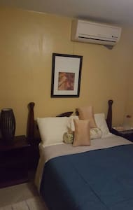Le jardin guest house room # 1