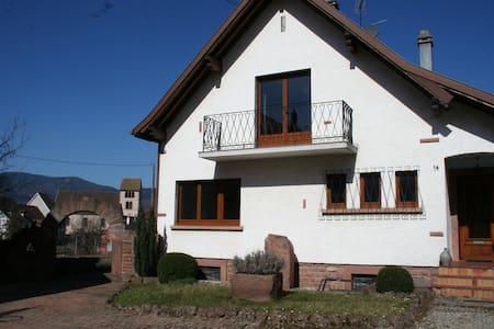 La maison de Tania - Neuve-Église - House