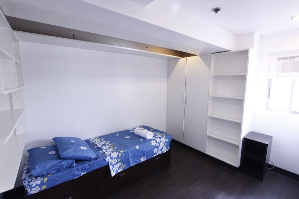 Single Bed Room #2 with Aircon