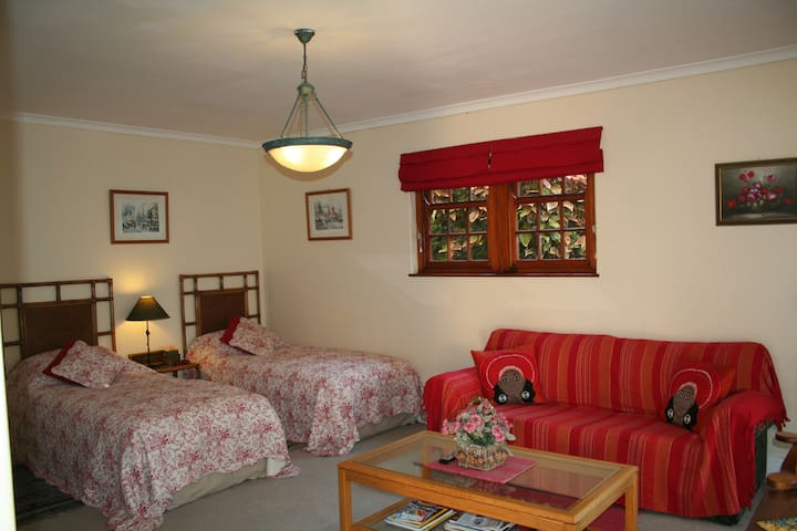 Belmont Suite no 2. Self catering -single/double