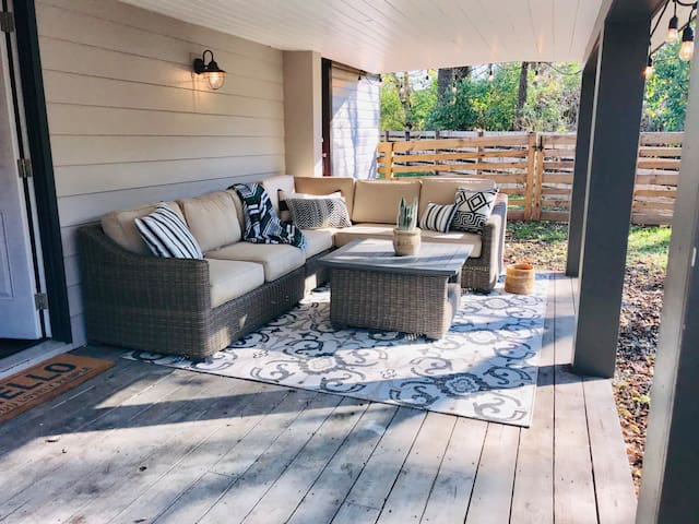 Cozy Boho Bungalow in convenient location!