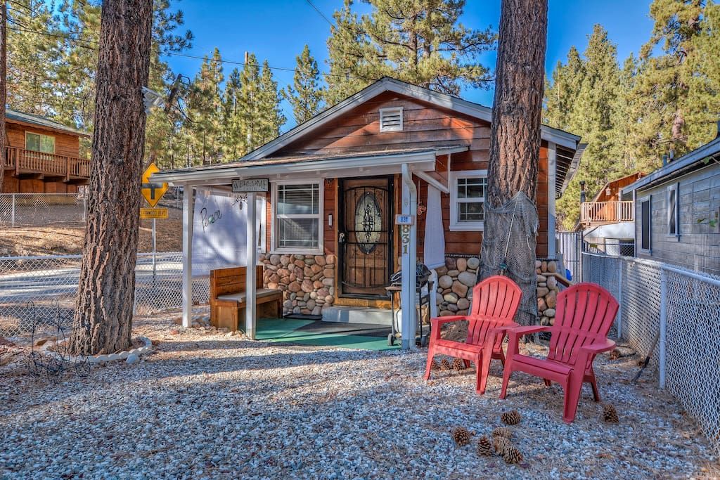 Robinhood retreat cabins for rent in big bear for Big bear retreat cabins